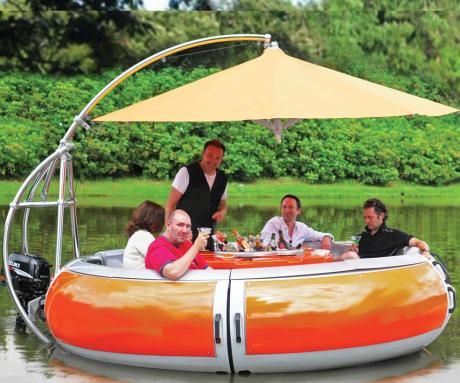 Hammacher-Schlemmer-Barbecue-Dining-Boat-1